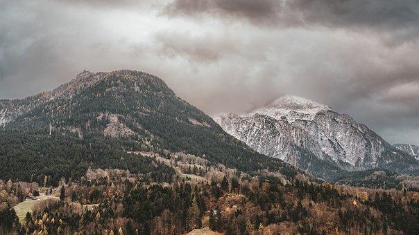 mountains-3523153__340.jpg