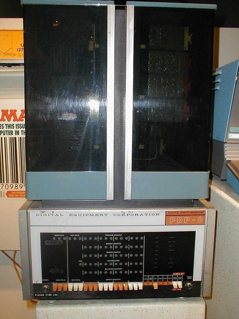 PDP-8-768x1024.jpg
