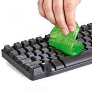 kak-chistit-klaviaturu-na-noutbuke-e4c228e.jpg