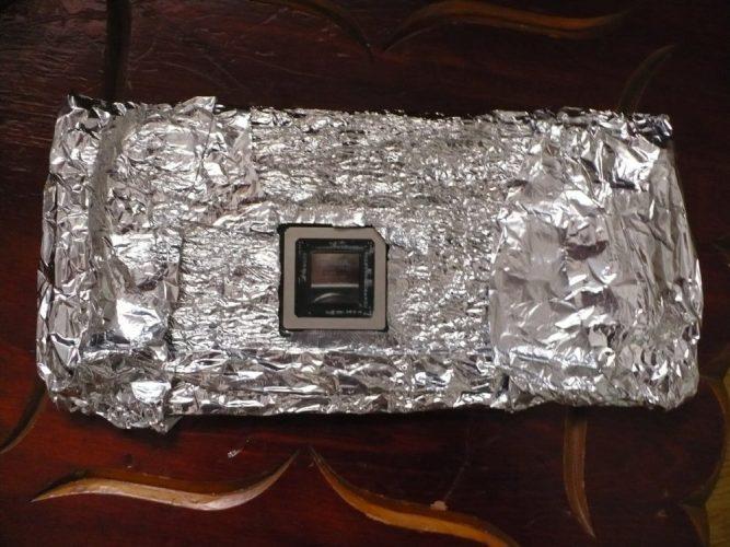 Видеокарта-в-фольге-перед-прожаркой-в-духовке-667x500.jpg
